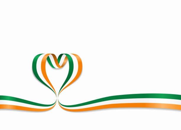 ilustraciones, imágenes clip art, dibujos animados e iconos de stock de irlandés de la bandera de la cinta en forma de corazón. ilustración de vector. - bandera irlandesa