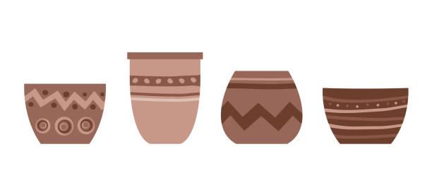 ilustrações, clipart, desenhos animados e ícones de vaso de flores isolado em fundo branco. conjunto vetor de pote de cerâmica em estilo flat trendy com ornamento. vaso de terracota de argila para plantas e flores. canteiro vazio para decoração de interiores. - cerâmica artesanato