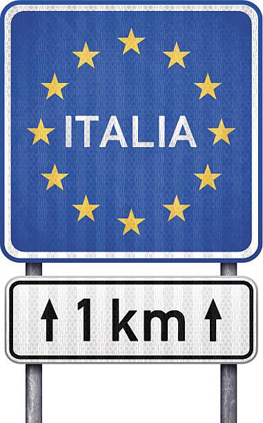 illustrazioni stock, clip art, cartoni animati e icone di tendenza di italia bordo traffico con cartello bianco 1 km più avanti - cartello stradale italia km