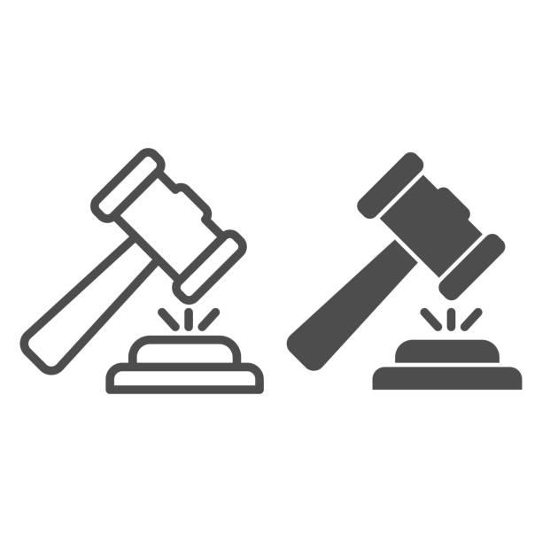 bildbanksillustrationer, clip art samt tecknat material och ikoner med domare hammare linje och fast ikon. domare klubba eller auktion, attribut rättvisa. rättspraxis vektor designkoncept, disposition stil piktogram på vit bakgrund, användning för webb och app. eps 10. - wood sign isolated