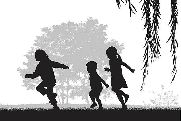 아이들 야외 실행 - 자녀 실루엣 stock illustrations