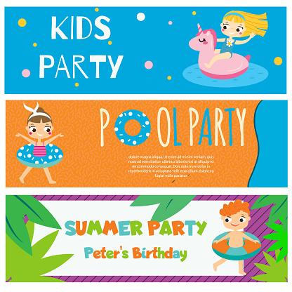 Kinderen Zomer Partij Banners Uitnodigingen Advertenties Met Gelukkige Kinderen Hebben Buiten Strand Activiteiten Stockvectorkunst en meer beelden van Actieve levenswijze