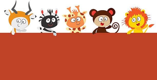 kinder mit zoo tier kostümen hält ein großes symbol - giraffenkostüm stock-grafiken, -clipart, -cartoons und -symbole