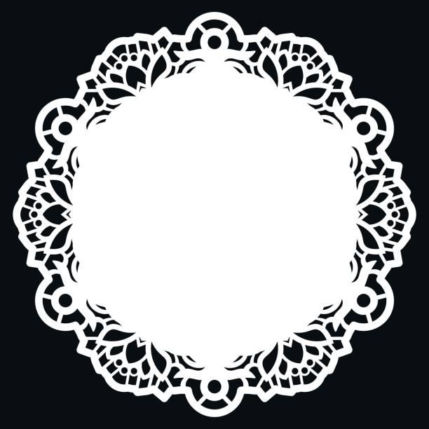 spitze runde papier deckchen, lacy schneeflocke, grußelement, vorlage zum schneiden plotter, runde stanz, laser geschnitten vorlage, deckchen, um den kuchen zu schmücken, vektor-illustrationen. - tortenständer stock-grafiken, -clipart, -cartoons und -symbole