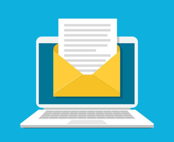 stockillustraties, clipart, cartoons en iconen met laptop met envelop en document op het scherm. - versturen