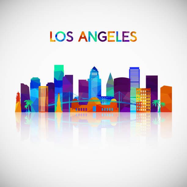 силуэт горизонта лос-анджелеса в красочном геометрическом стиле. символ для вашего дизайна. векторная иллюстрация. - los angeles stock illustrations