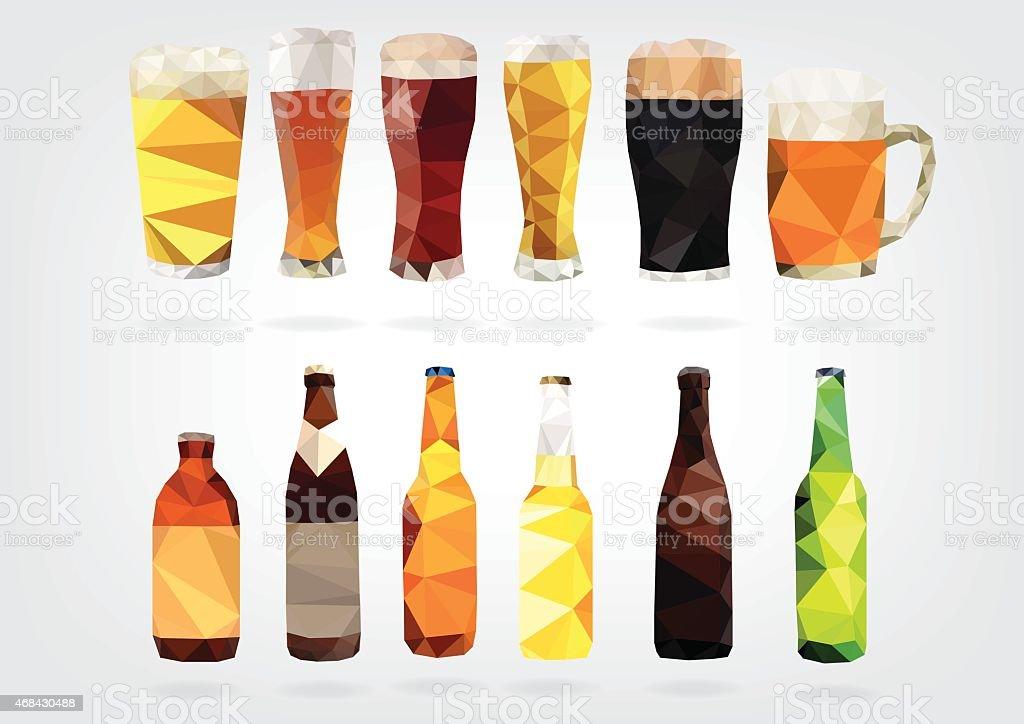 Low Poly Bier in Flaschen und Gläser – Vektorgrafik