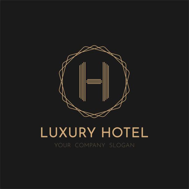 luxus hotel-logo-vektor-design auf schwarzem hintergrund - villas stock-grafiken, -clipart, -cartoons und -symbole