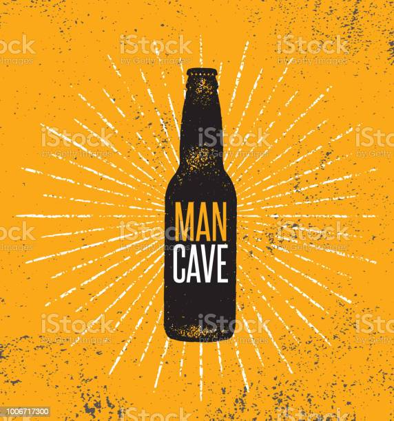 Man Cave Rules With Beer Bottle Creative Poster Design Concept With Grunge Frame And Rough Distressed Texture — стоковая векторная графика и другие изображения на тему Антиквариат