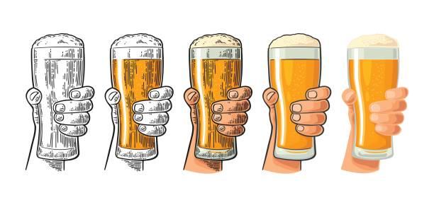 男の手の保有物と素晴らしくビール ガラス。さまざまなグラフィック スタイル - アルコール飲料点のイラスト素材/クリップアート素材/マンガ素材/アイコン素材