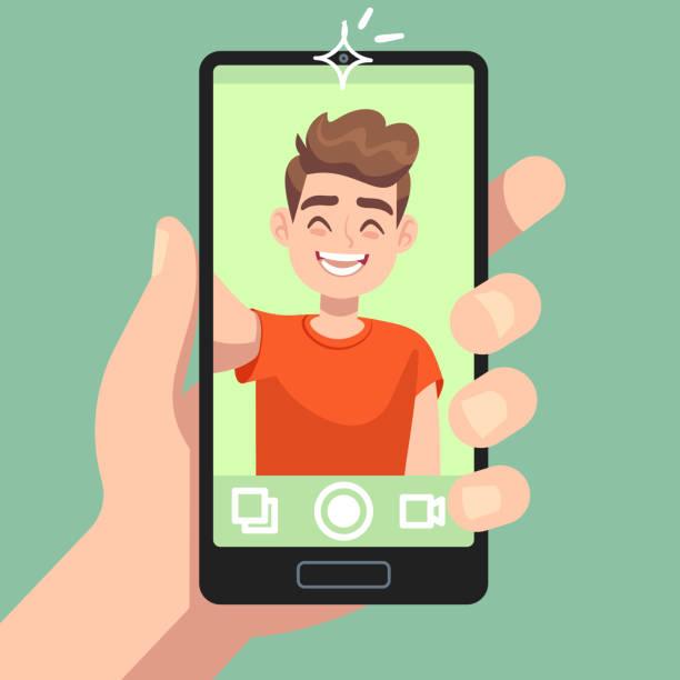 illustrazioni stock, clip art, cartoni animati e icone di tendenza di uomo che scatta foto selfie su smartphone. personaggio maschile sorridente che fa foto selfie con fotocamera per smartphone in mano concetto vettoriale piatto - video call