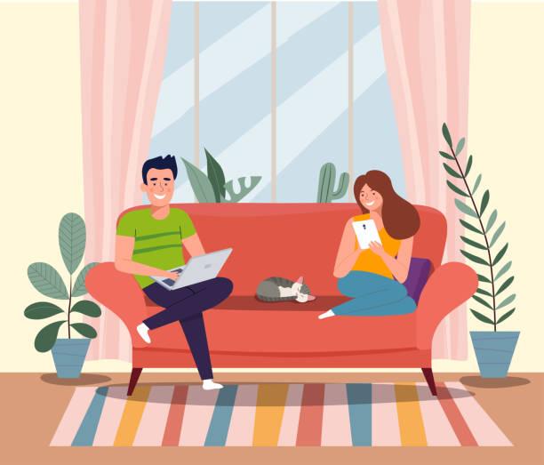 ノートとタブレットでソファーに座っている男性、女性、猫。ベクトルフラットイラストレーション - ソファ点のイラスト素材/クリップアート素材/マンガ素材/アイコン素材