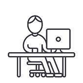 homme travaillant à l'ordinateur à l'icône de tableau vecteur ligne, signe, illustration sur fond, traits modifiables