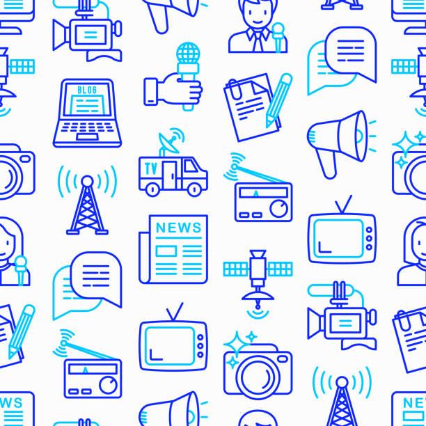 stockillustraties, clipart, cartoons en iconen met naadloze patroon van de massamedia met dunne lijn pictogrammen: journalist, krant, artikel, blog, verslag, radio, internet, interview, video, foto. moderne vectorillustratie. - journalist