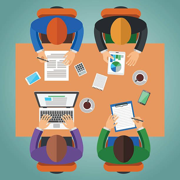 illustrazioni stock, clip art, cartoni animati e icone di tendenza di riunione in ufficio, lavoro di squadra, concetto di associazione di idee - business meeting, table view from above