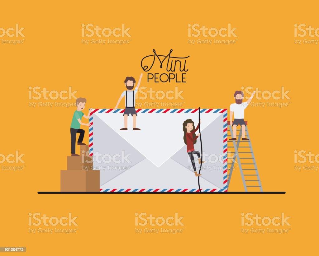 mini pessoas com envelope - ilustração de arte em vetor