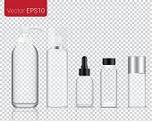 現実的なガラスは、メイクアップ、化粧品のボトルが透明な背景を設定背景に分離されたモックアップします。