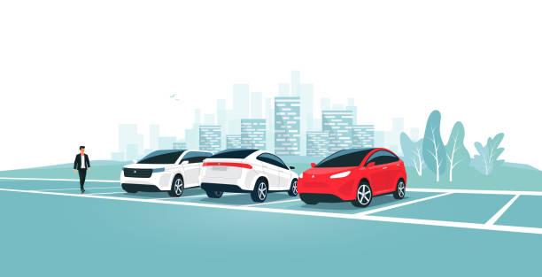 illustrations, cliparts, dessins animés et icônes de stationnement de voitures modernes restant sur le stationnement vide dans la rue de ville - gare
