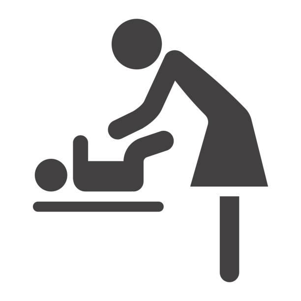 mutter wickeln baby solide symbol, pflege und mutterschaft, vektor-grafiken, eine gefüllte muster auf weißem hintergrund, eps 10. - wickeltisch stock-grafiken, -clipart, -cartoons und -symbole