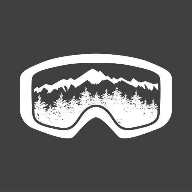 berge in der reflexion des ski-maske-objektiv. - skifahren stock-grafiken, -clipart, -cartoons und -symbole