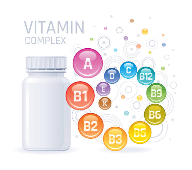 multi vitamin kompleksi takviyesi. boş şişe vitamin a, b1, b2, b3, b5, b6, b9, b12, c, d, e, k. trendy sağlık gerçekçi multivitamin kompleksi poster ile 3d mockup. beyaz arka planda izole edilmiş. - vitamin d stock illustrations