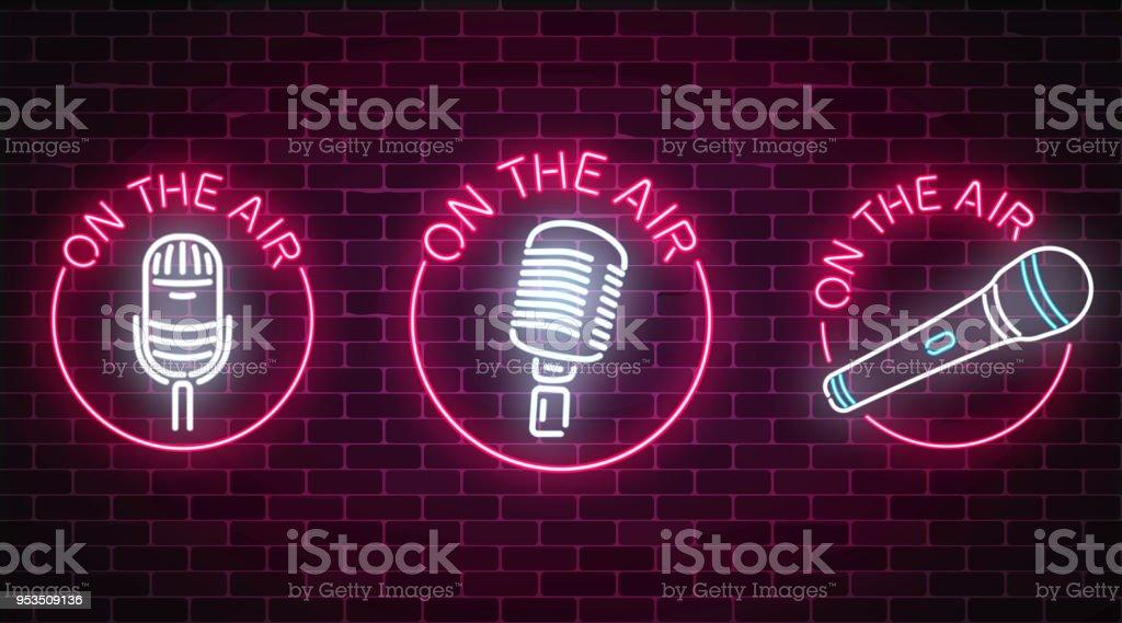 Neon Auf Die Luftzeichen Set Mit Mikrofonen Symbole Im Runden Rahmen ...