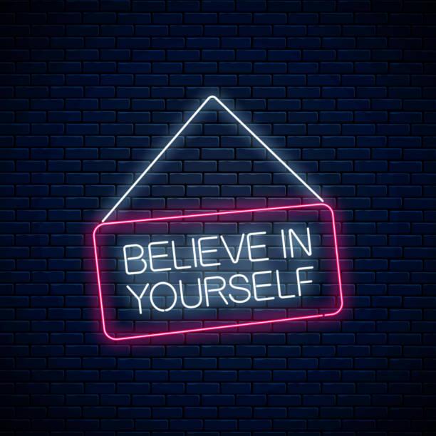 neon zeichen des glaubens an sich selbst inschrift auf hängenden brett. motivation zitat cdll, um sich in neon-stil zu vertrauen - trust stock-grafiken, -clipart, -cartoons und -symbole