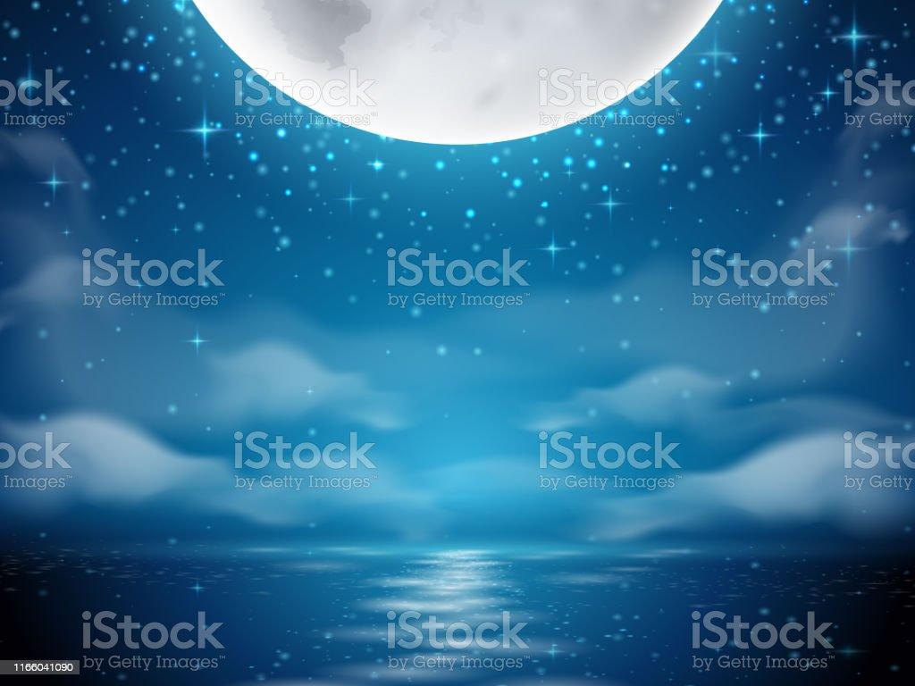 月と海の夜の背景海川の水に月の反射と暗い背景雲のシーンと