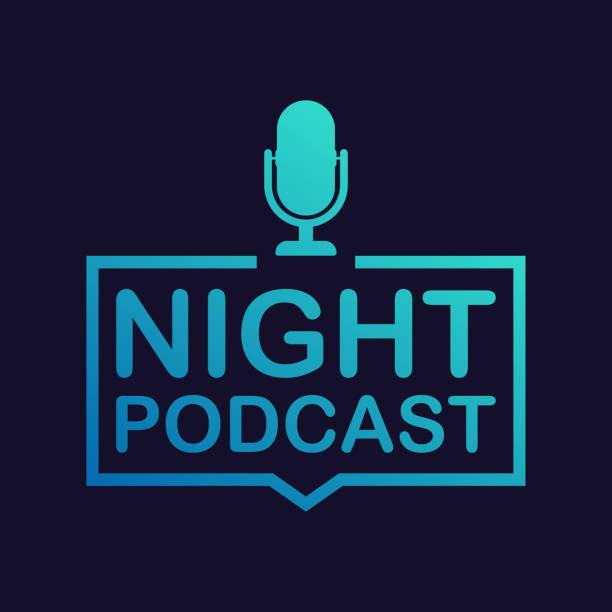 ilustrações, clipart, desenhos animados e ícones de ícone de podcast de noite, símbolo de vetor no plano isométrico estilo isolado na cor de fundo. ilustração em vetor. - podcast