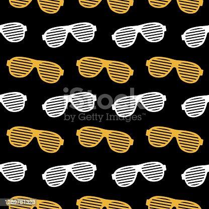 istock Novelty Party Eyeglasses Seamless Pattern 1289781323