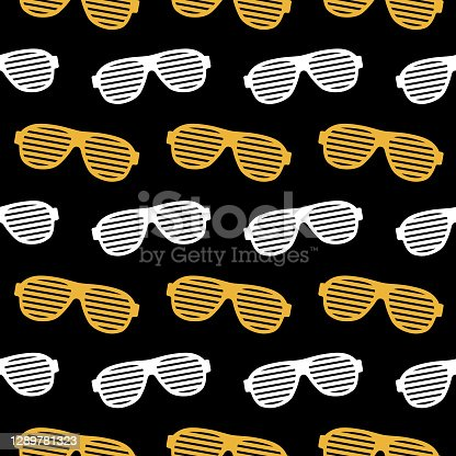istock Novelty Party Eyeglasses Seamless Pattern 1289781323
