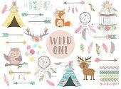 自由奔放に生きる手描きスタイルのアイコンの Сollection。動物、矢印、羽、花、ウィグワム、ドリーム キャッチャーのイメージ。赤ちゃん、カード、チラシ、ポスター、版画、休日のため国