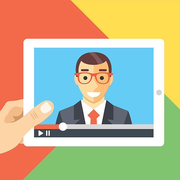 illustrazioni stock, clip art, cartoni animati e icone di tendenza di conferenza online, tutorial online, webinar, guardare video, illustrazione piatta - video call
