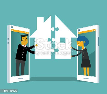 istock Online real estate selling 1304119120