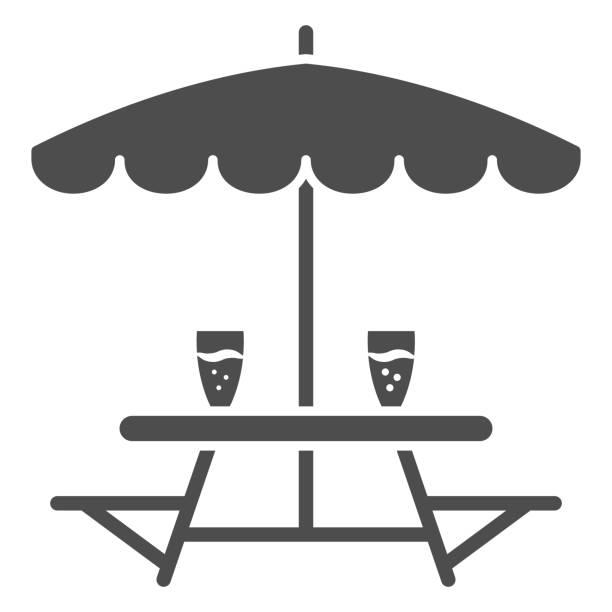 bildbanksillustrationer, clip art samt tecknat material och ikoner med utebord med bänkar solid ikon, oktoberfest koncept, utecampingmöbler med paraplyskylt på vit bakgrund, campingbordsikon i glyfstil för mobil. vektorgrafik. - wood sign isolated