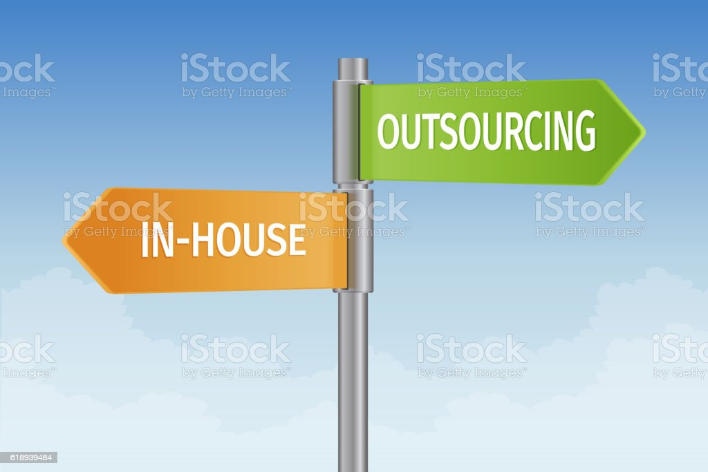 Outsourcing vs in-house ベクターアートイラスト