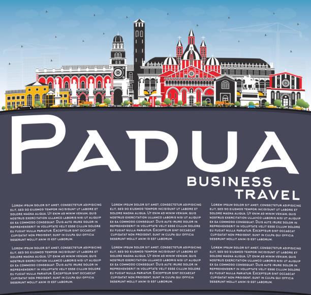 padua italien skyline mit farbgebäuden, blauem himmel und kopierraum. - padua stock-grafiken, -clipart, -cartoons und -symbole