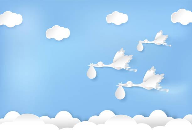 ilustrações, clipart, desenhos animados e ícones de papel de arte de cegonha voando com bebê no papel de céu azul corte ilustração estilo - bebês