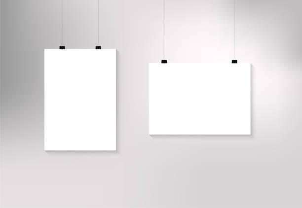 종이 클립이 달린 용지 - 클립 문구류 stock illustrations