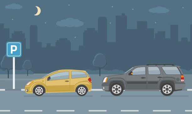 illustrations, cliparts, dessins animés et icônes de sort de stationnement avec deux voitures sur fond de ville. - voiture nuit
