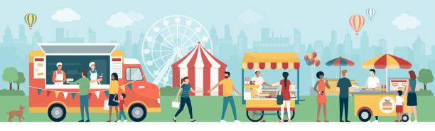 stockillustraties, clipart, cartoons en iconen met mensen op het street food festival in het stadspark - traditioneel festival