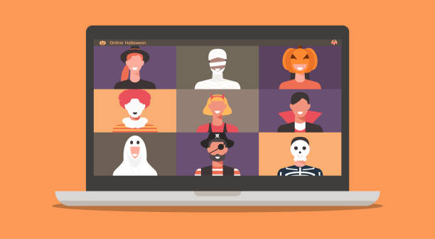 stockillustraties, clipart, cartoons en iconen met mensen in verschrikkingskostuums op laptopscherm dat samen bespreekt of met vrienden tijdens videogesprek babbelt - kostuum
