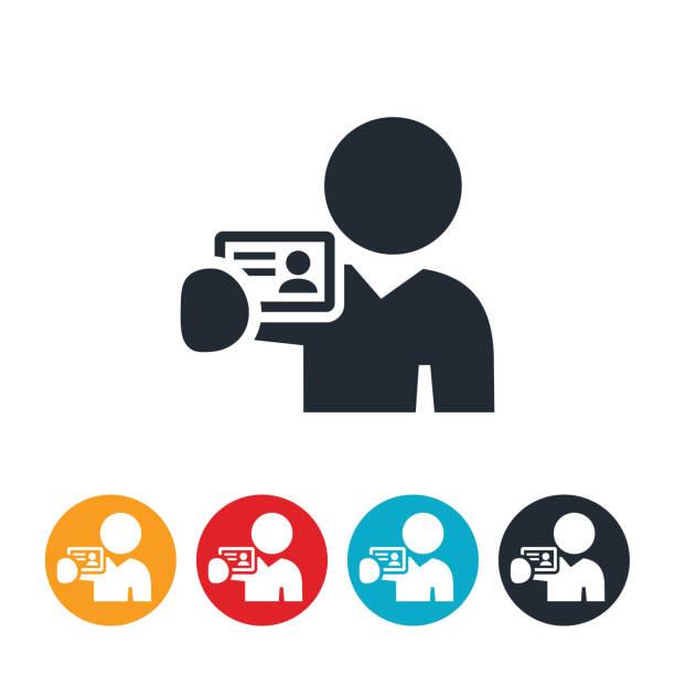 ilustraciones, imágenes clip art, dibujos animados e iconos de stock de persona que tenga un icono de la tarjeta de visita - carne