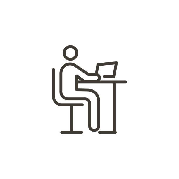 ilustrações, clipart, desenhos animados e ícones de pessoa que usa um computador. o ícone na moda moderno da linha fina do vetor para estudar, trabalhar, ter a instrução em linha ou outros conceitos relacionou com o uso do computador e do internet. - college people laptop