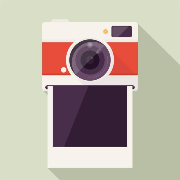 fotokamera mit leeren polaroid-foto-rahmen - polaroid stock-grafiken, -clipart, -cartoons und -symbole