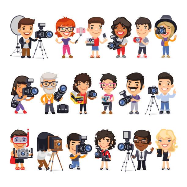 stockillustraties, clipart, cartoons en iconen met fotografen platte stripfiguren - journalist
