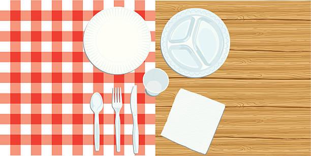 picknick-gedeck auf holz und kariertes tuch - plastikteller stock-grafiken, -clipart, -cartoons und -symbole