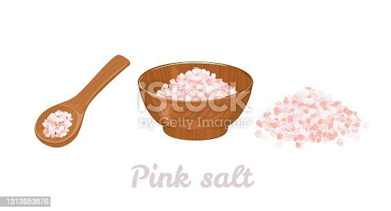 Sal rosa del Himalaya en tazón de madera, cuchara y montones de sal aislados sobre blanco. Ilustración vectorial de especias orgánicas en estilo plano de dibujos animados.