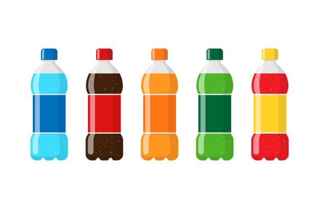 kunststoff-flaschen-paket-set mit blauem wasser rot braun orange grün soda-getränke und etiketten. kohlensäuregetränk mit blasen in tare flach isoliert vektor illustration - alkoholfreies getränk stock-grafiken, -clipart, -cartoons und -symbole