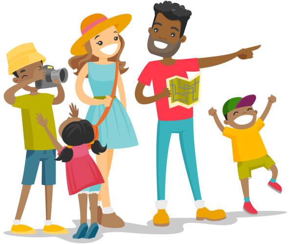 Famille multiraciale positive, voyageant ensemble - Illustration vectorielle